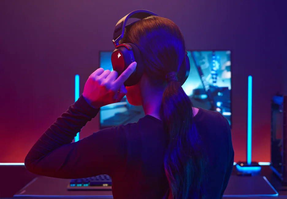 corsair-hs80-rgb-wireless-gaming-headset-review-–-spatial-audio-ftw