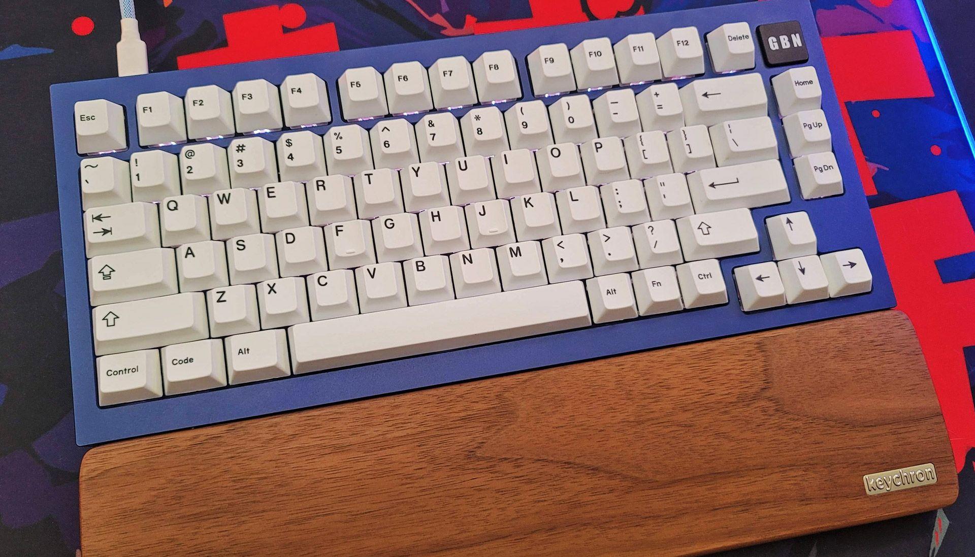 keychron-q1-custom-mechanical-keyboard-review:-a-must-buy
